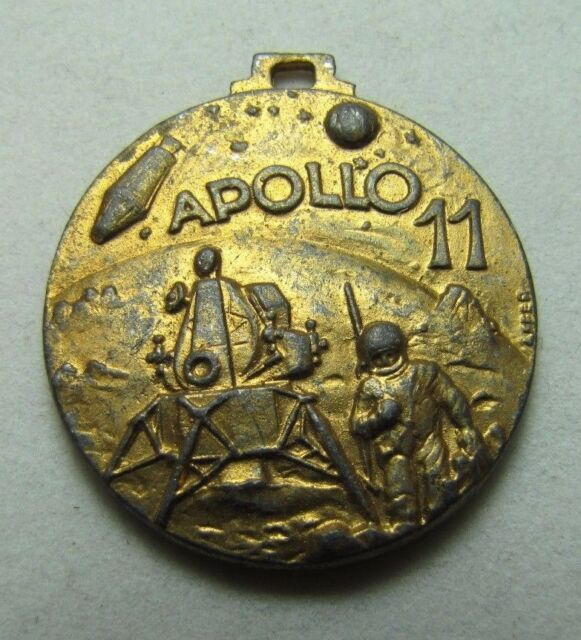Vintage APOLLO 11 Medallion Fob First Men on the Moon 1969 ornate 2x sided NASA