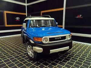 AUTOART-TOYOTA-FJ-CRUISER-1-18-Blue