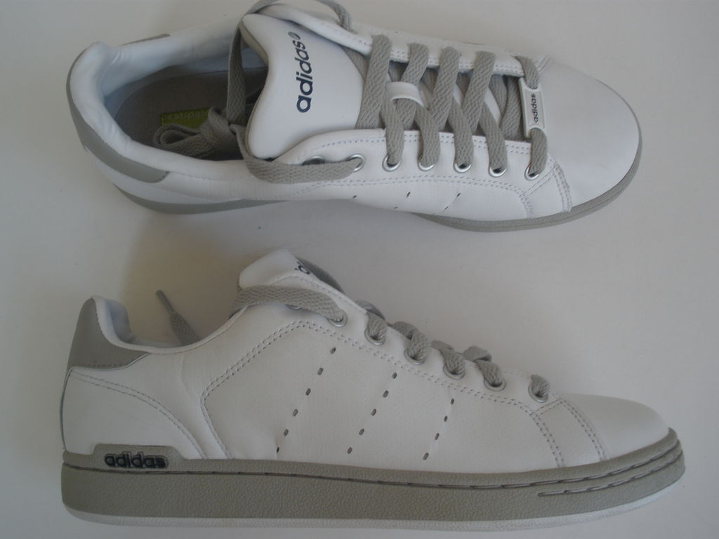 Adidas Leather sneakers homme  US 7.5  EUR 40 NEW SALE
