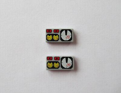 b5 # Lego 3069bpx19 Platte Fliese 1x2 hellgrau bedruckt Armatur 4 Stück