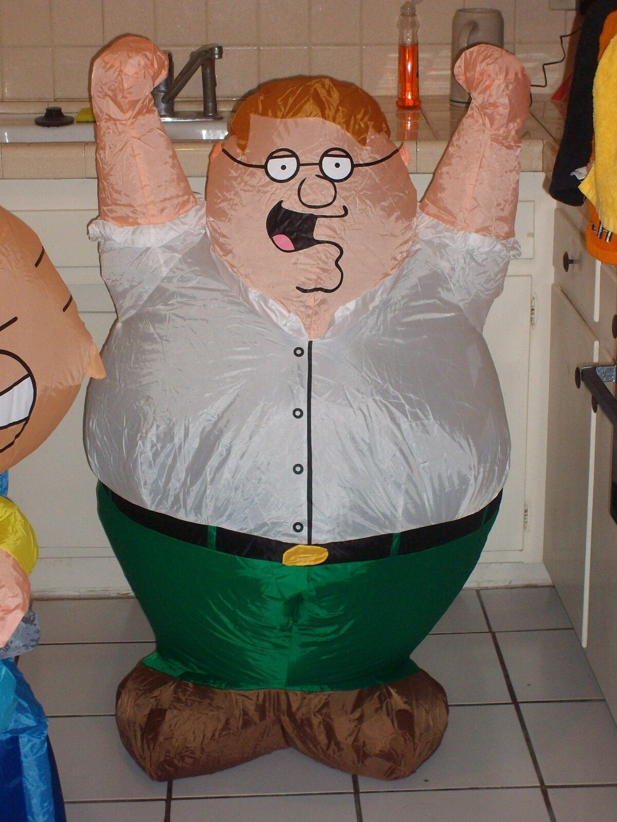 LOT AND OF 2 FAMILY GUY INFLATABLES 2005 GEMMY. STEWIE AND LOT PETER. New. 800776