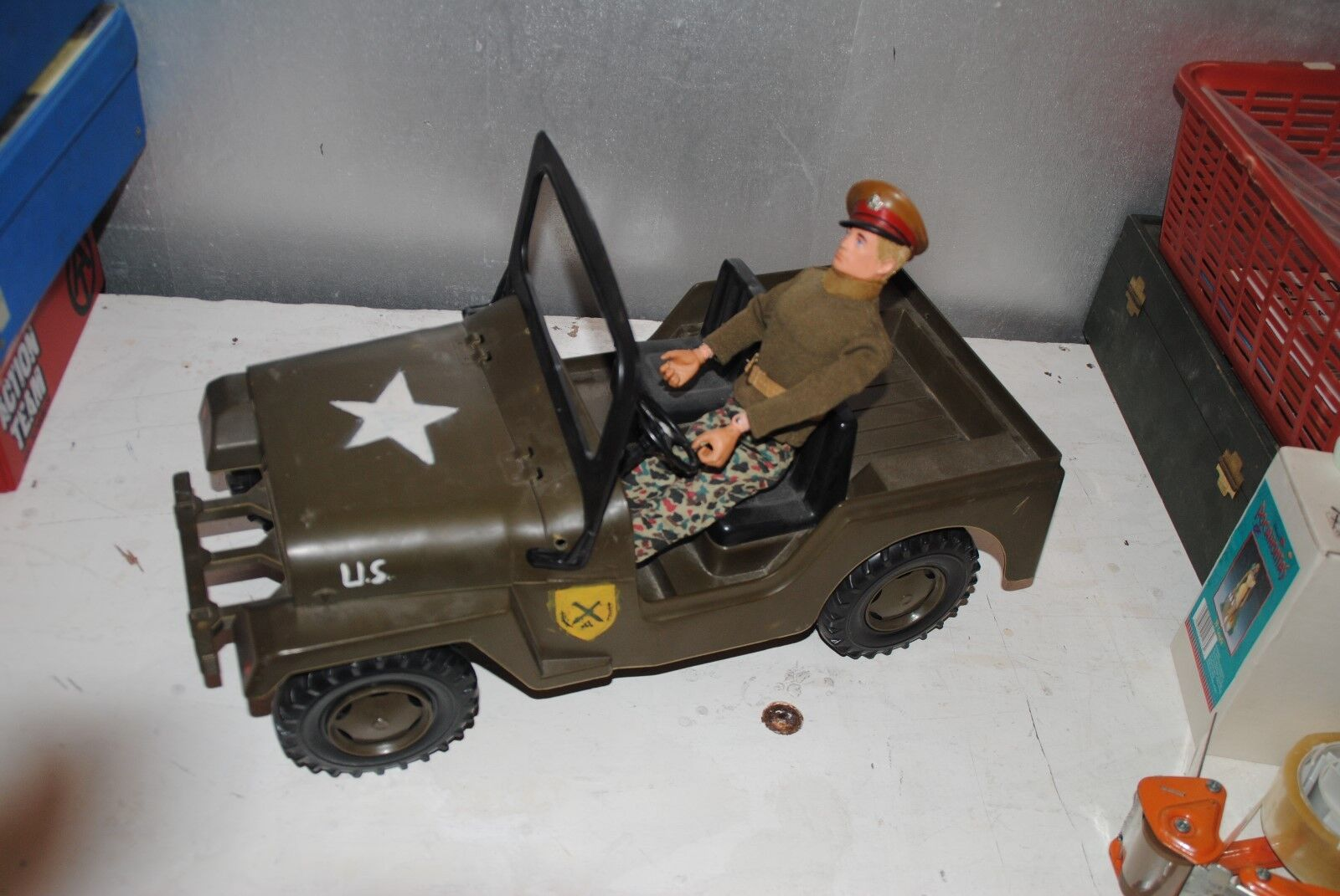 ACTION MAN  ROLLY TOYS        JEEP      RARE PLAYSET