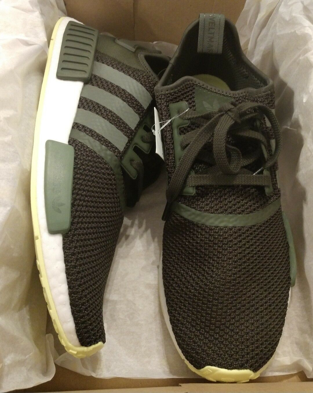 Adidas NIB NMD R1 Cargo Green Bright Yellow Size 11 NIB Adidas CQ2414 Hard to Find d3ba77
