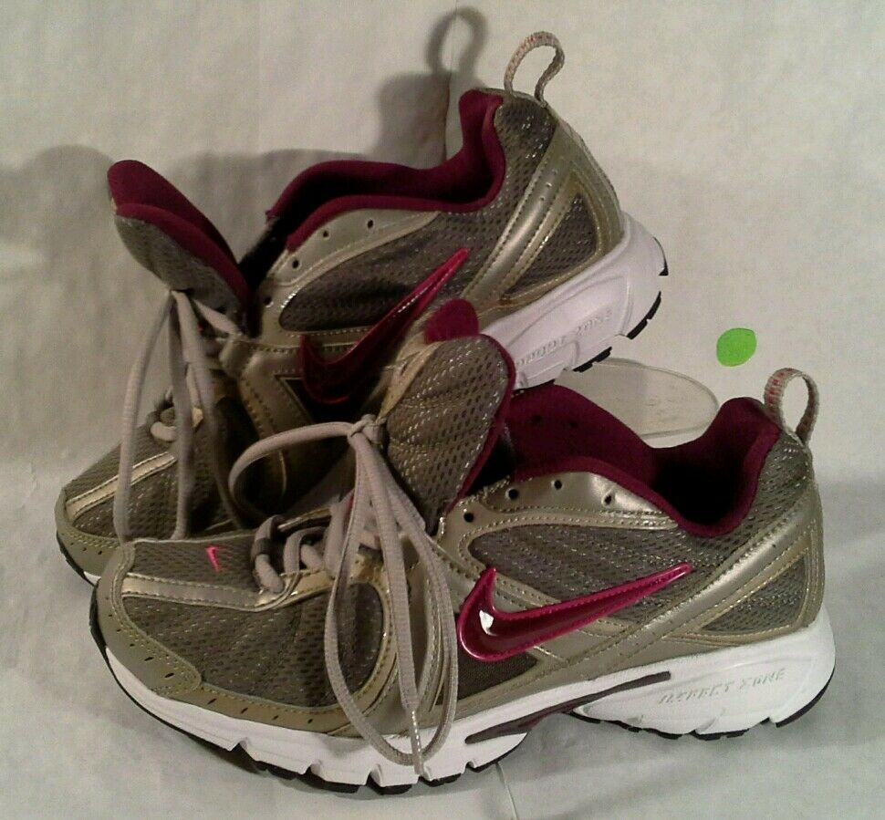 Nike Running Women's Size 8.5 Athletic Shoes NEW w/o Box