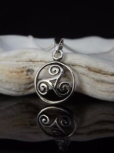 Sterling silver 925 celtic triskele triskelion pendant 1820 image is loading sterling silver 925 celtic triskele triskelion pendant 18 aloadofball Image collections