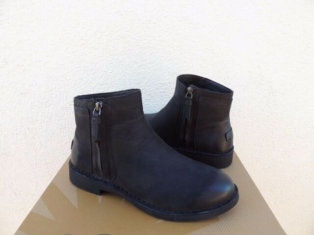 3c8f82174eb UGG Rea Black Leather/ Sheepwool Chelsea Ankle BOOTS US 11/ EUR 42