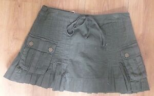 Elle-Ladies-green-corduroy-mini-skirt-size-8-new-with-tags