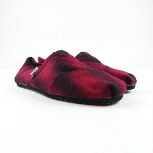 d1b513c046d TOMS Men s Shoes Size 11 Classic Alpargata Slip-On Plaid Red