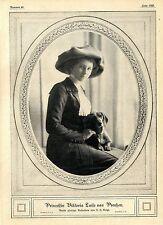 Prinzessin Viktoria Luise von Preußen (mit ihrem Dackel) c.1912