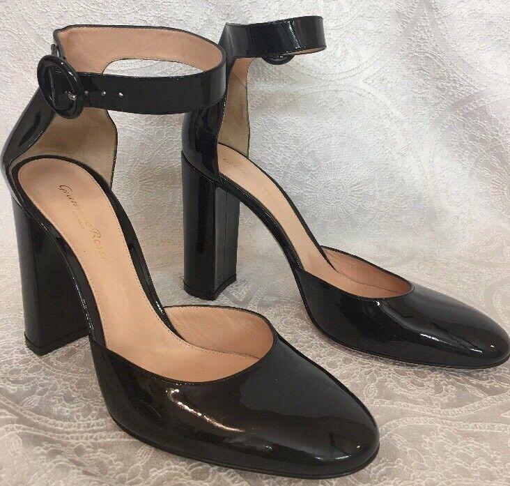 il più economico Gianvito Rossi scarpe scarpe scarpe Gretta nero Patent Leather Ankle Strap Dimensione 40 1 2  prezzo all'ingrosso e qualità affidabile