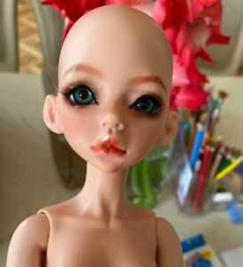 1//4 BJD SD Doll Girl Women Unpainted Without Any Make Up Brown Resin