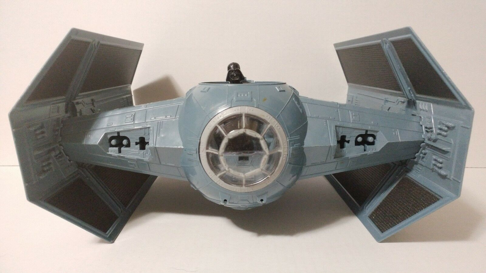 KENNER HASBRO LUCASFILM LTD 1997 Star Wars Darth Vader Tie Fighter Ship