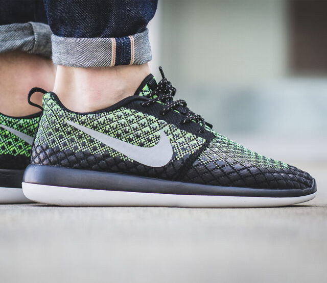 quality design 7d313 508db NIKE ROSHE TWO FLYKNIT 365 Running Trainers Gym Casual UK 8 (EU 42.5) Green