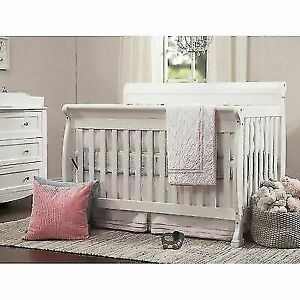 Natural Dream On Me Bella 2 in 1 Convertible Sleigh Stationary Side Crib