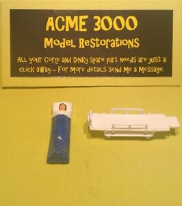 Dinky-274-Ford-Transit-Ambulance-Reproduction-Repro-Stretcher-amp-Blue-Patient