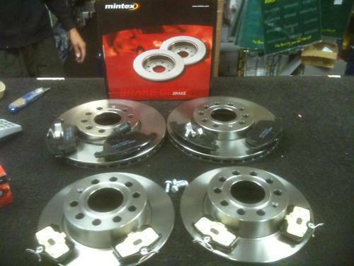 FOR VW TOURAN BRAKE DISC PADS FRONT REAR MINTEX BRAKE DISCS /& PAD