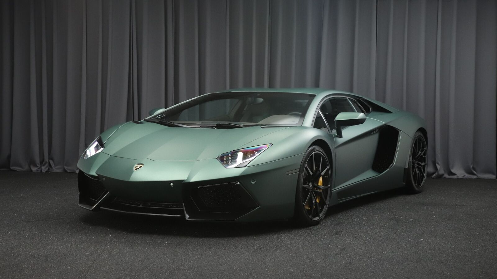 Lamborghini Aventador 6,5 LP 700-4 2d