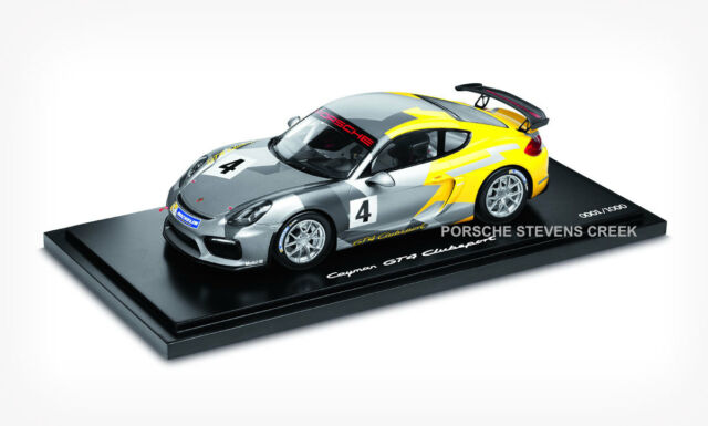Porsche Cayman Gt4 Clubsport Diecast Model Car 1 18 Scale Limited Edition