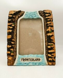 Walt-Disney-World-FRONTIERLAND-FRAME-3-D-resin-Disneyland-Splash-Mountain-molded