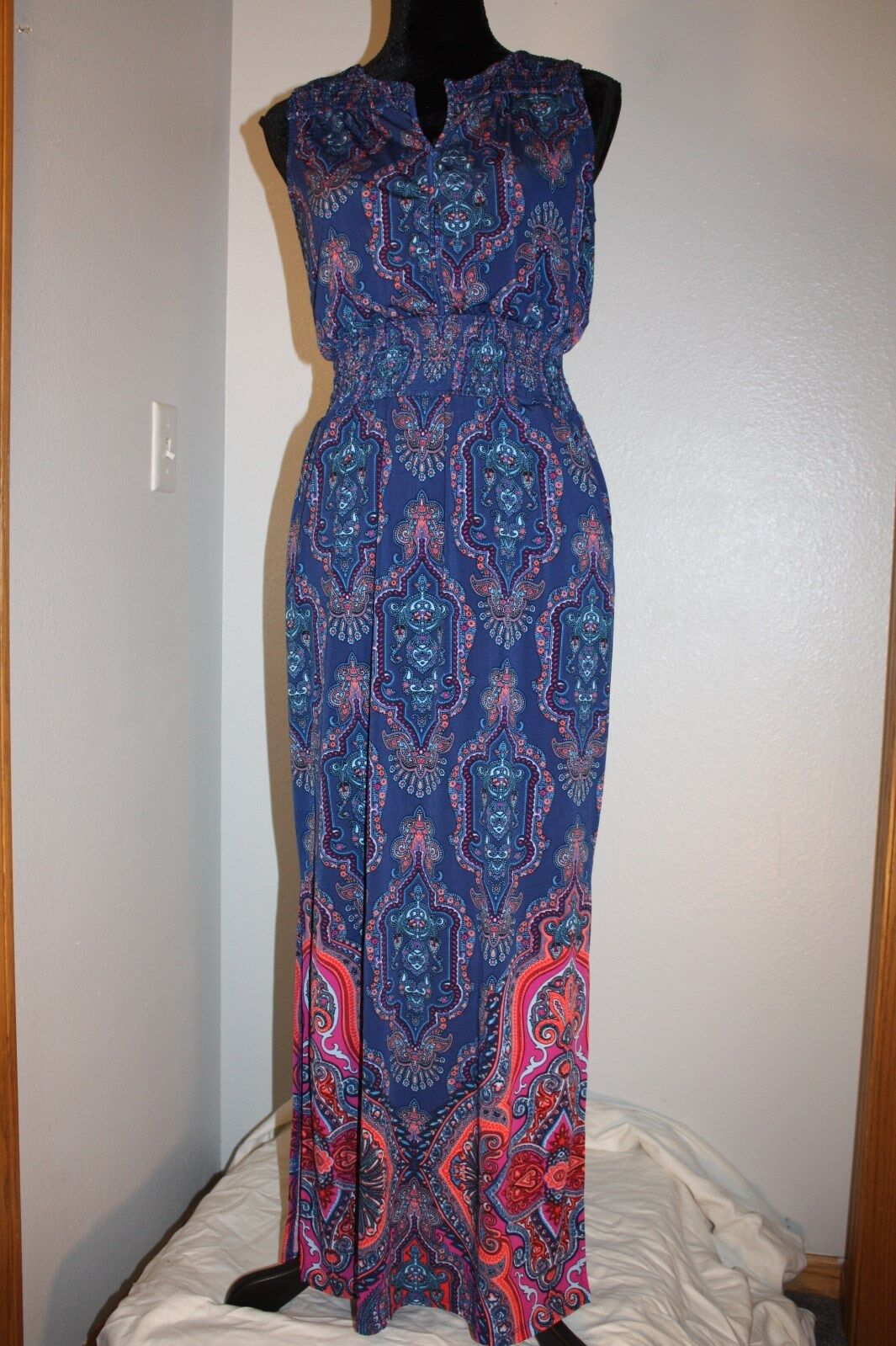 44a64ec606ccc Adrianna Adrianna Adrianna Papell Boutique Long Maxi Dress Size M Stunning  color 3bb067