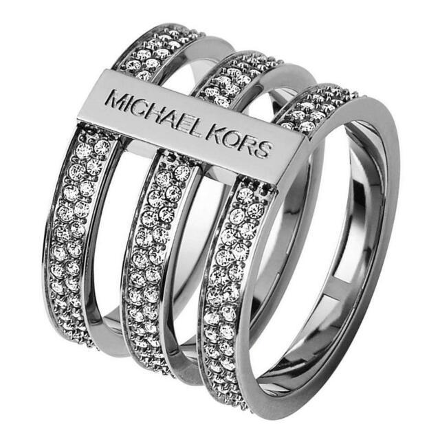in box Dick tone a ring