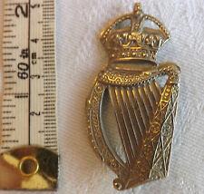 Military WW1 18th County Of London Battalion London Irish Cap Badge (1829)