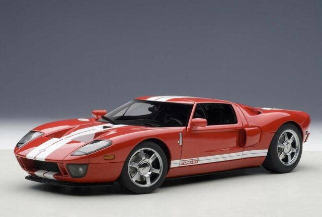 Autoart Ford Gt  Red With White Stripes Red
