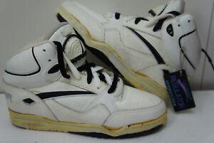 44ab9a6a3ed7 1990 Vintage LA Gear Regulator 6285 Women Basketball Shoes White ...