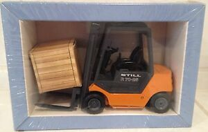 STILL OLDTIMER GRIP WEIMAR 7025 forklift truck fork lift B O X E D never opened - <span itemprop='availableAtOrFrom'>Rugby, United Kingdom</span> - STILL OLDTIMER GRIP WEIMAR 7025 forklift truck fork lift B O X E D never opened - Rugby, United Kingdom