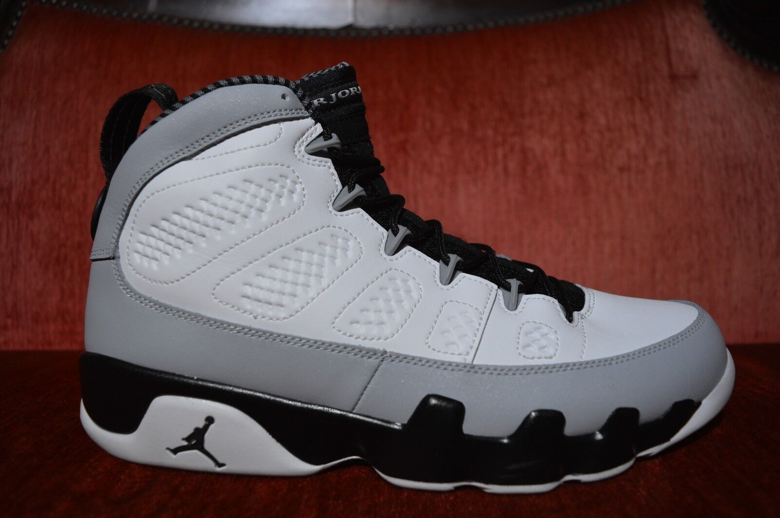 Nike AIR RETRO JORDAN 9 IX BARON BLACK WHITE WOLF GREY 302370 106 SIZE 9.5