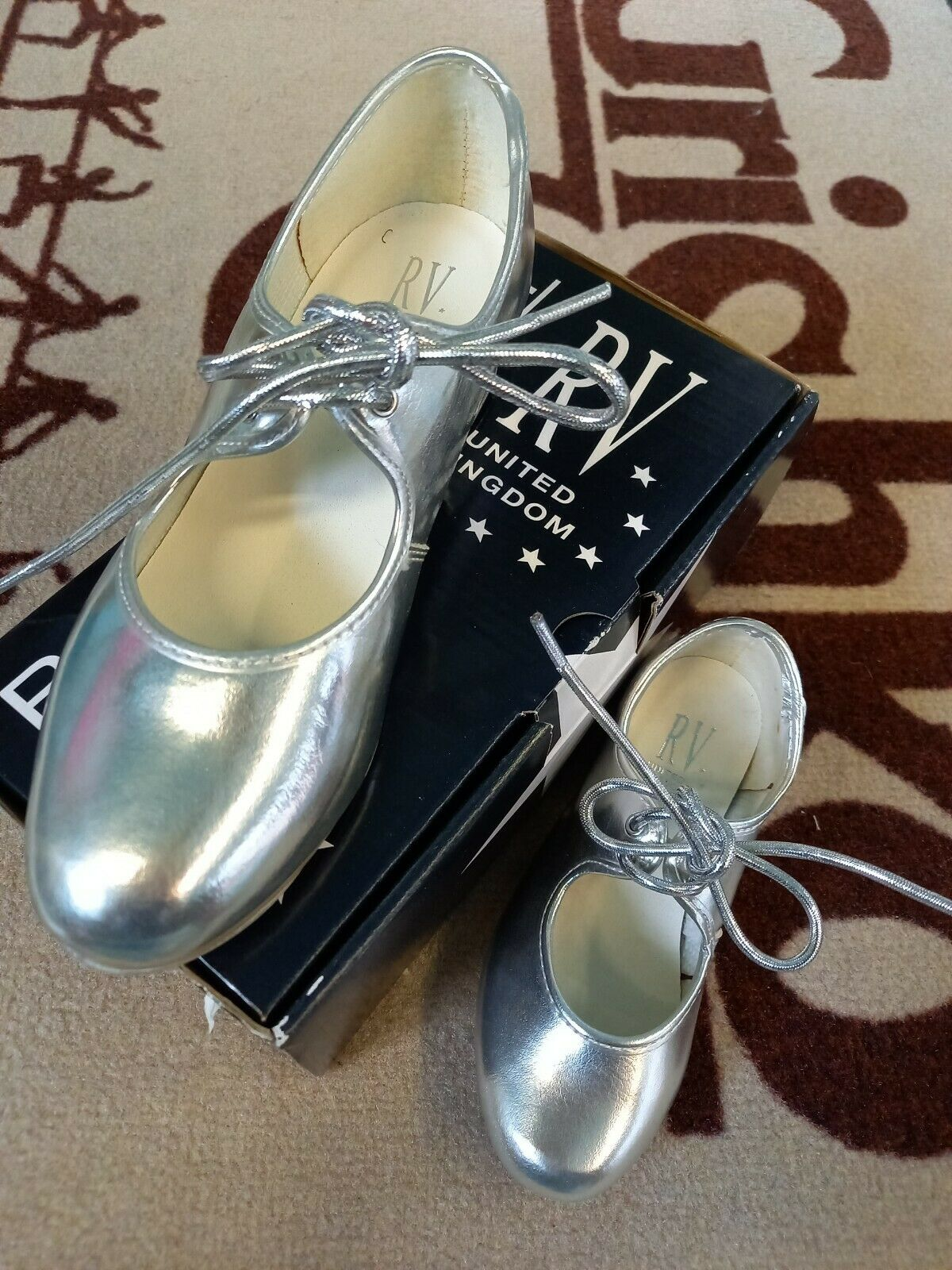 New Silver tap dance shoes Roch Valley Low heel sizes 8sm -2UK