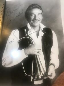 Doc-Severisen-Of-Johnny-Carson-Show-Fame-Signed-Photograph-X136