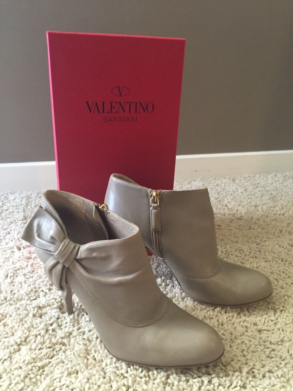100% Authentic Valentino bow avvioies Dimensione 36 Excellent Condtion