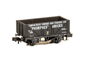 Peco-NR-P426-N-Gauge-7-Plank-Wagon-London-Brick-Co-amp-Forders-Ltd