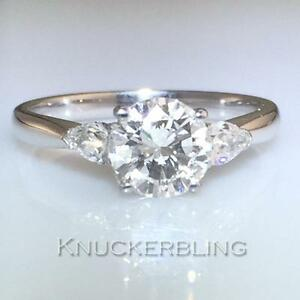Diamond-Ring-1-35ct-GIA-Certificated-D-Colour-Round-Brilliant-Cut-in-18ct-Gold