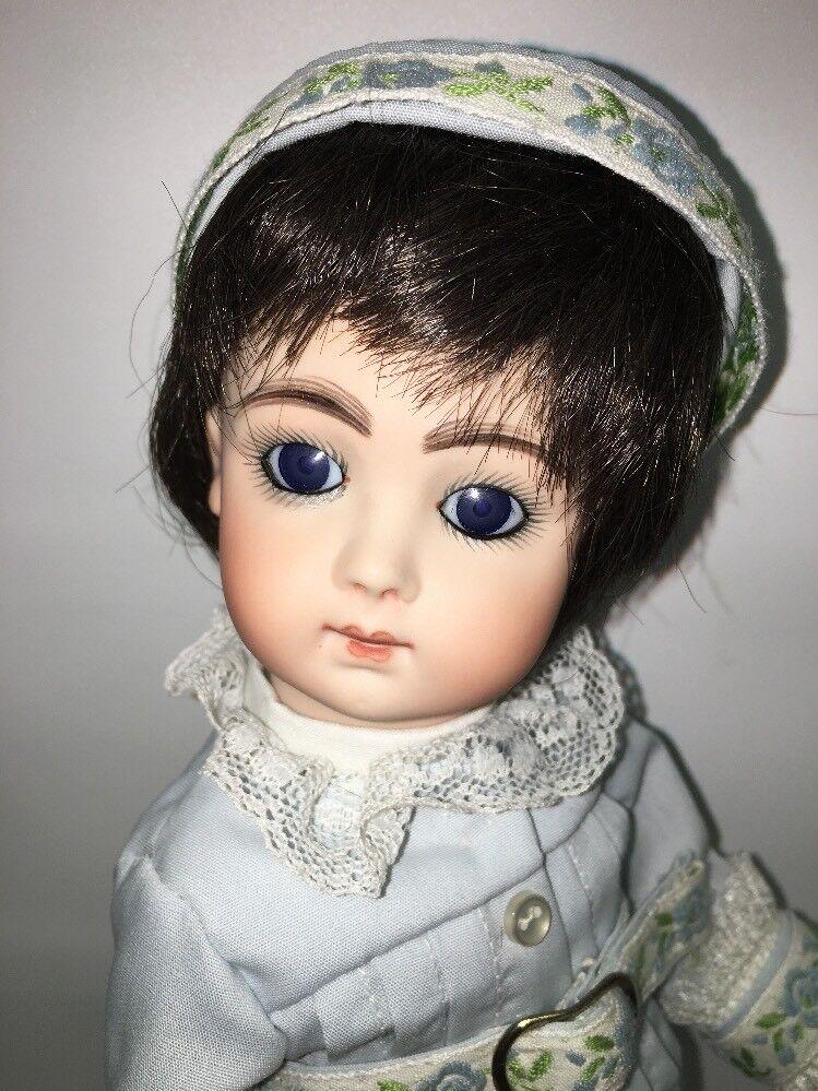 Hermosa 10  Jumeau Francés cara larga REPRO por Bev marrón, ojos azules, todos Bisque