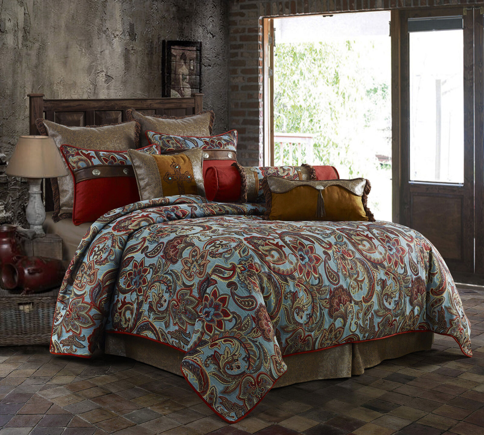 Loon Peak Maolis Comforter Set