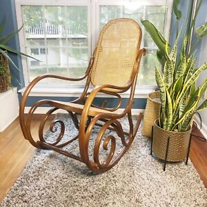 Thonet-1770-Bentwood-Rocking-Chair-Vintage-Caned-Brown-MCM-Mid-Century-Wicker
