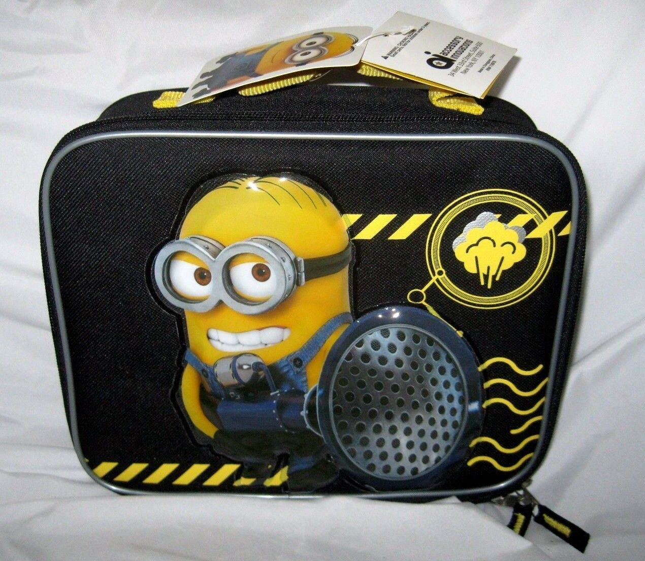 DESPICABLE ME 3 MINIONS BLOW HORN BLASTER 9.5    INSULATED LUNCHBOX LUNCH BAG-NEW 22dd1d
