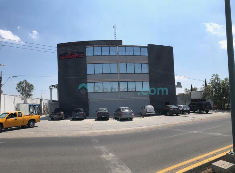 Bodega con Edificio excelente ubicación frente a parque Pilba