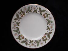 Wedgwood STRAWBERRY HILL  Dinner Plate.  Diameter 10 1/2 inches.