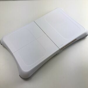 Wii Fit Balance Board Nintendo RVL-021 w/ Battery Cover - POWERS ON AND WORKS!