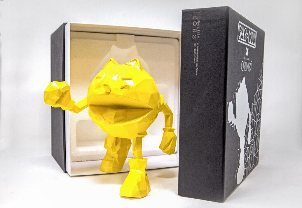PAC -MAN x Orlinski hkonsts Figur gul 18 CM i handen och rödo att skeppas