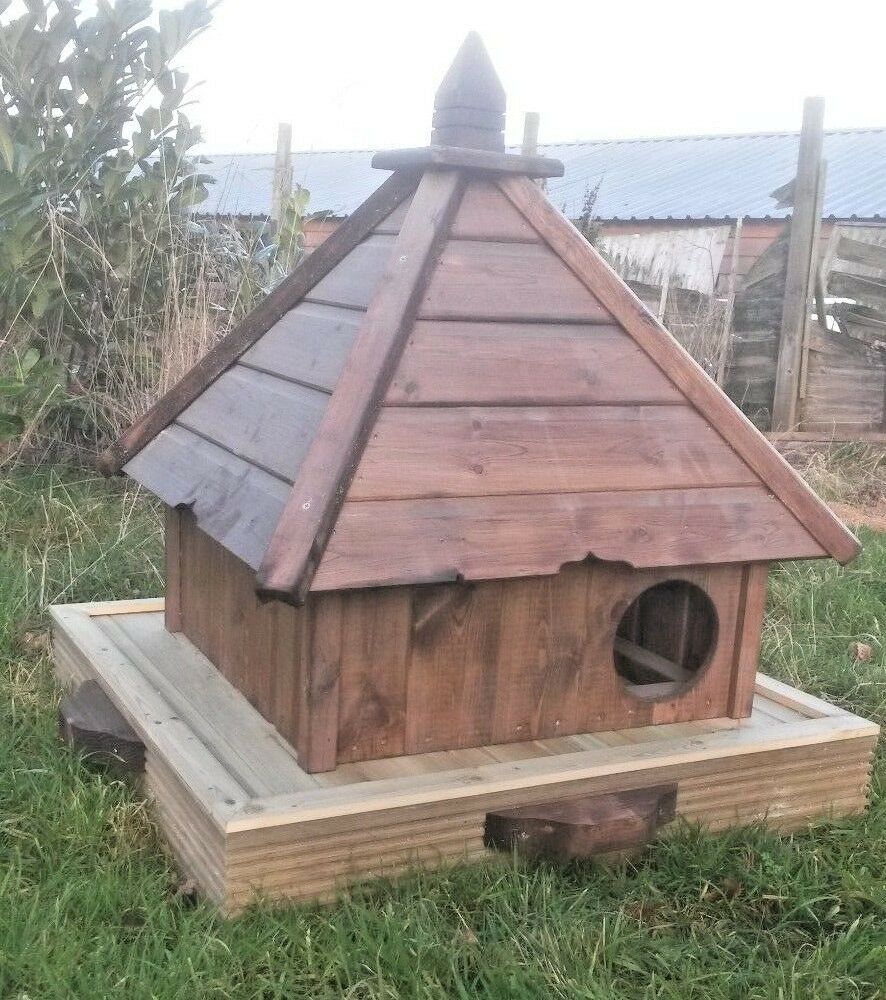 Medium Square Floating Duck House - With or Without Tethering Kit