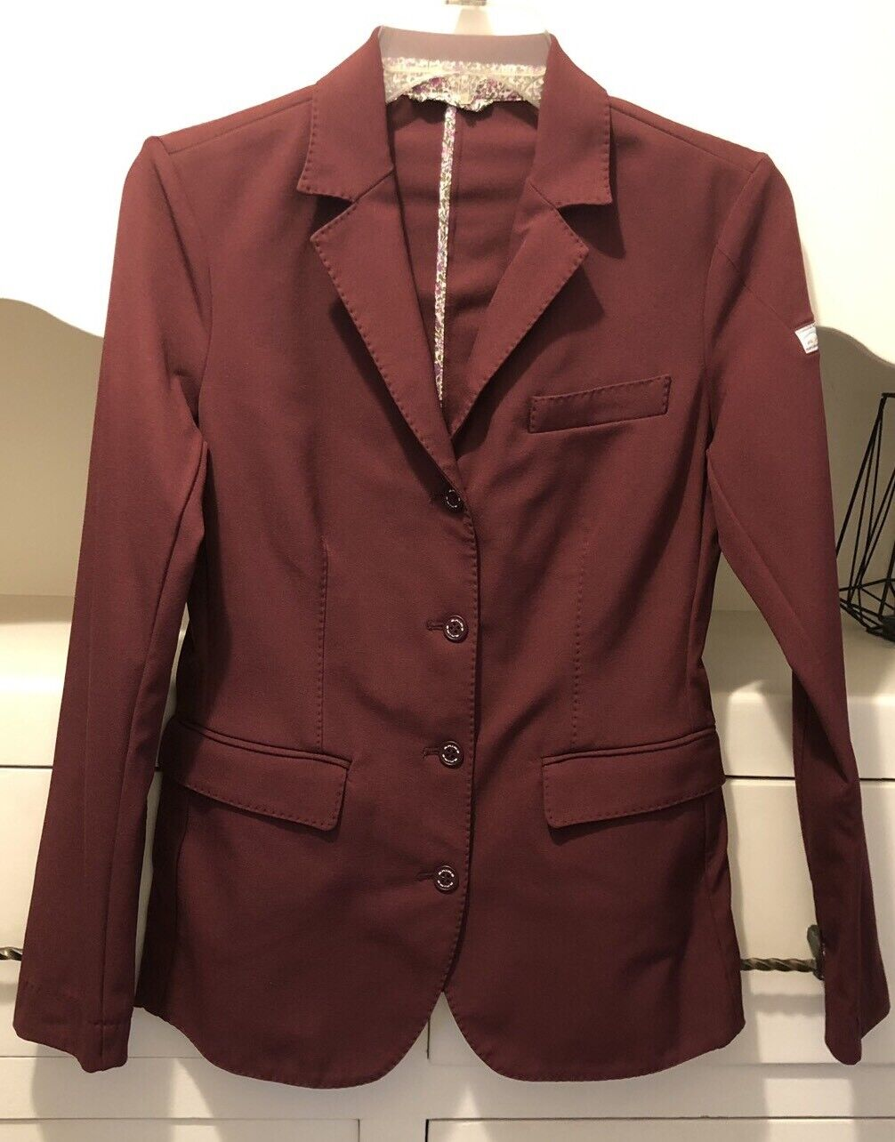 Animo  Ladies Red Huntcoat English Show Coat I-42  exciting promotions