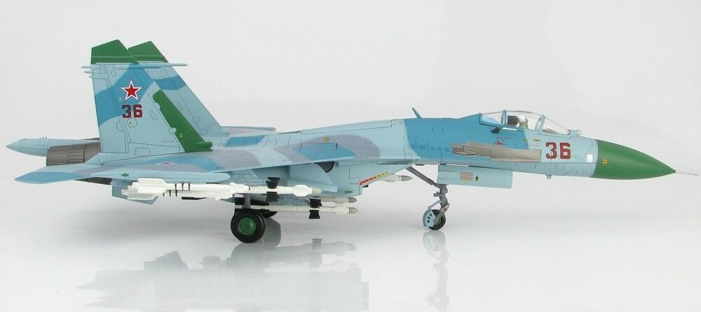 Hobby Master HA6001 -1 72  Sukhoi Su-27 Flanker B, Red 36, Russian AF 1987