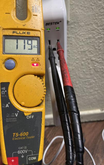 Fluke T5-600 600A Voltage and Current Test Meter 1000V 600V CAT III IV AC/DC