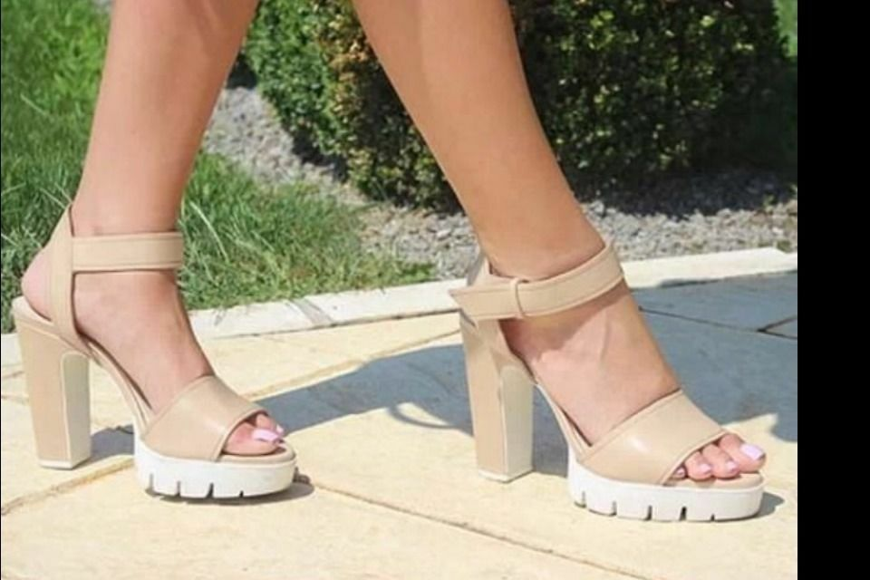Zara Leder Track Absatz Sandale Größe UK6/Eur39/Us8