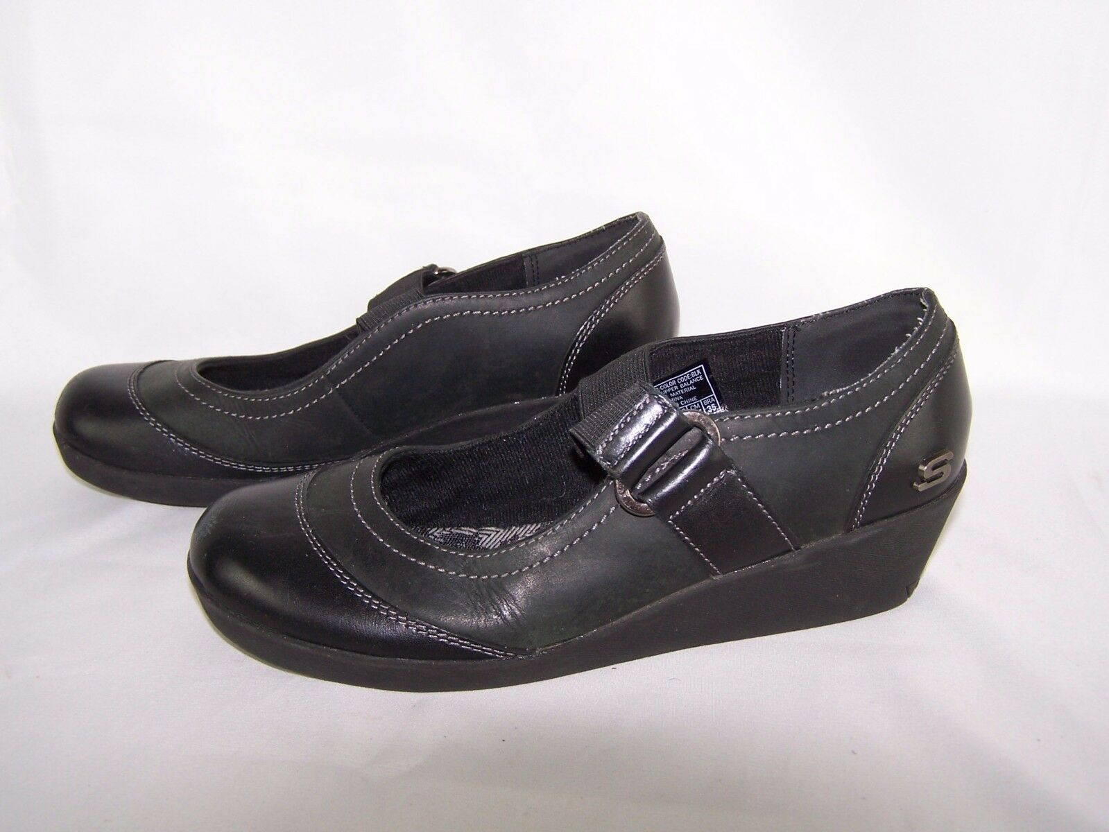 Women's Skechers Sport Slip On Leather Shoes Size 6.5