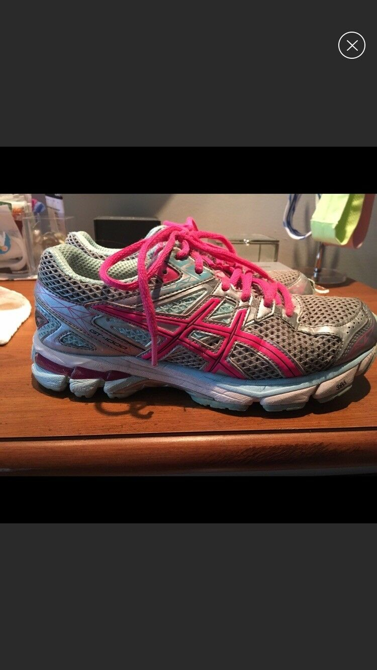 Asics women running shoes  gently used. perfect condition.